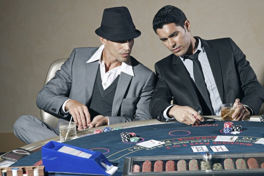 casino_poker_playing_studio_bet_gambling_game_gamble-photo
