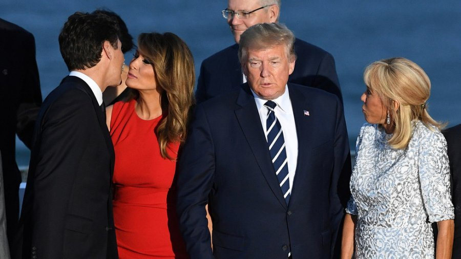#MelaniaLovesTrudeau - Hot Picture of Melania Trump Greeting Justin Trudeau Went Viral (You Need to See Trump's 'Kiss' With Merkel)