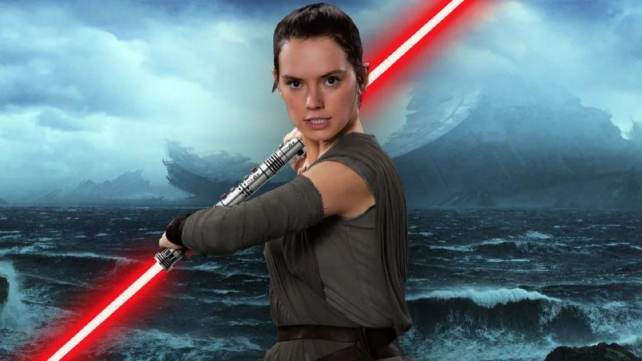 New Star Wars The Rise Of Skywalker Trailer Sparks 4 Key Theories About Rey S Red Lightsaber