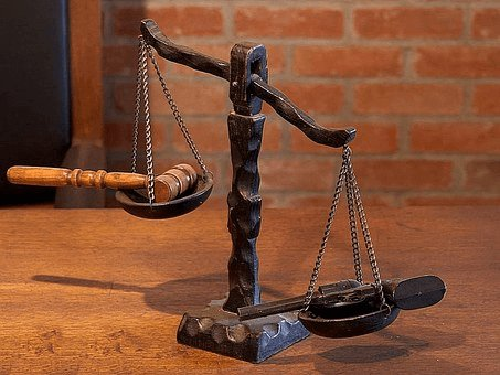 Justice-scales-court-law-hummer-photo