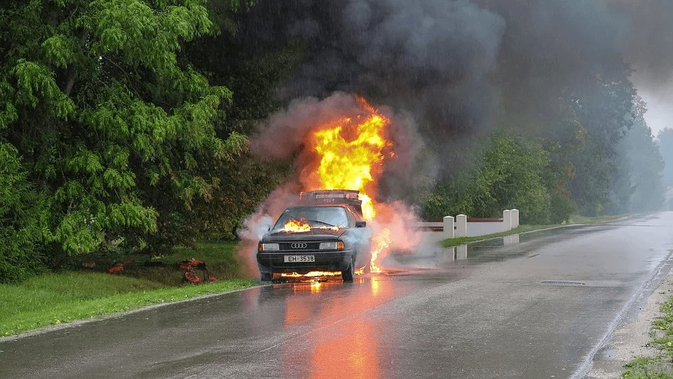 car-on-fire-photo