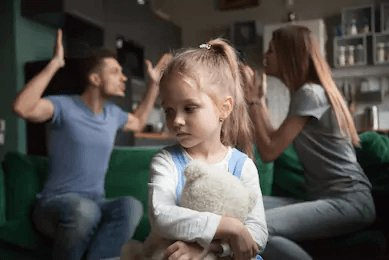 parents-fight-unhappy-kid-pic