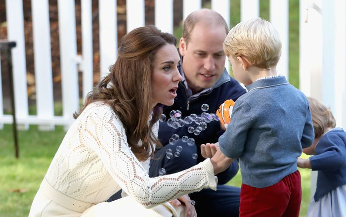 kate-Middleton-kids-photo