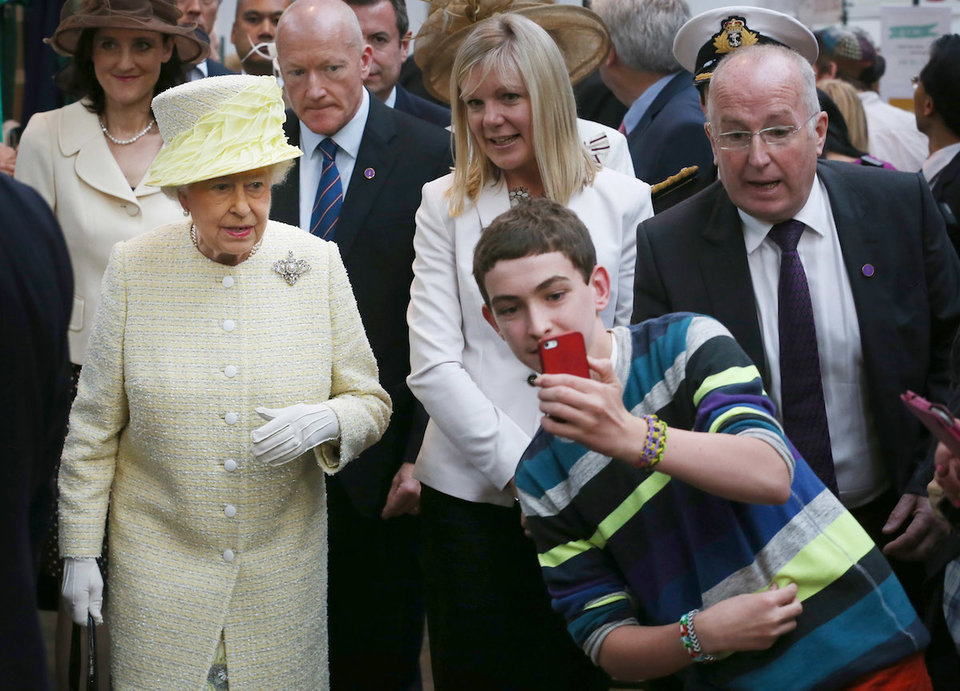 royal-family-life-moments-disappointing-photos