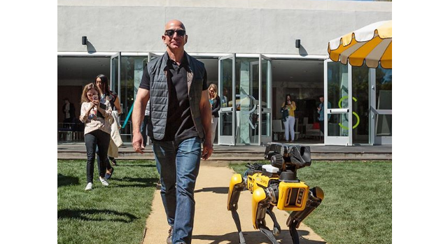 amazon-ceo-jeff-bezos-pics