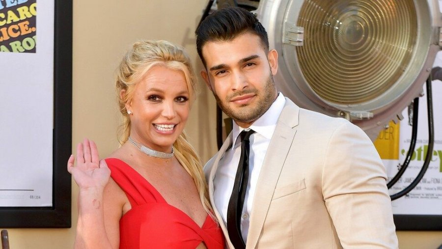 britney-spears-engaged-photo