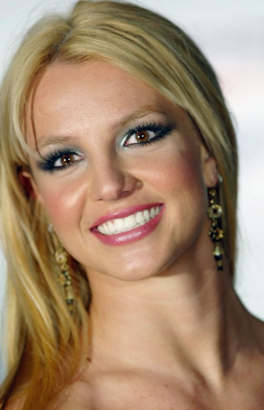 makeup-2000s-tik-tok-britney-spears-photo