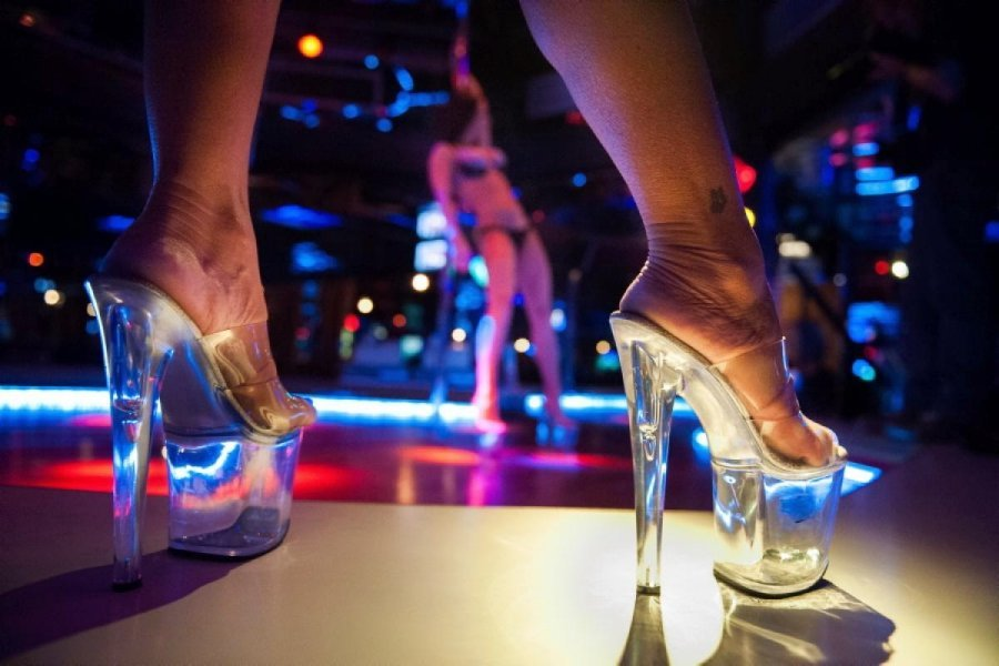 adelaide-strip-club-miss-nude-australia-photo
