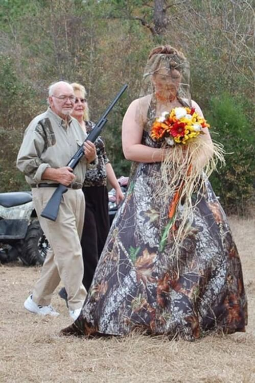 most-ridiculous-wedding-dresses-ever-photo