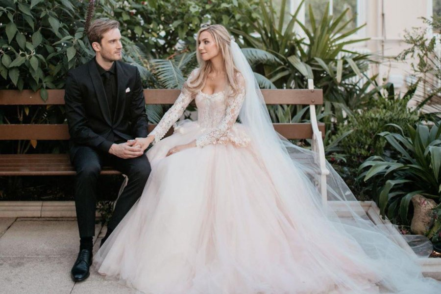 pewdiepie-marzia-married-photo
