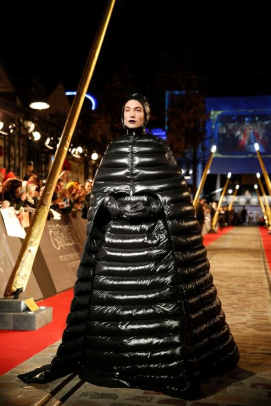 ezra-miller-crazy-fashion-looks-photo